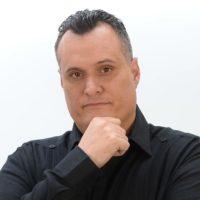 Carlos-Alvarez